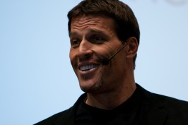 Anthony Robbins - Stop Yourself from Financial Self-Sabotage